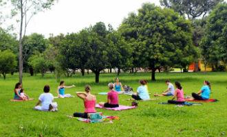 yoga_ar_livre.jpg